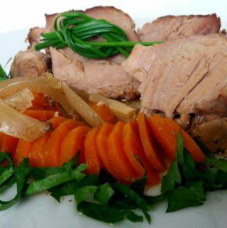 Lahodné přes noc pečené vepřové maso