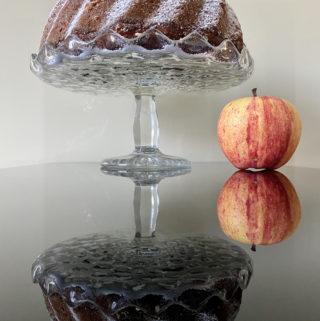 Vláčná tvarohovo jablečná bábovka